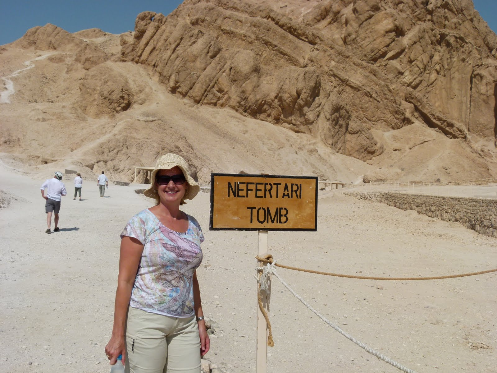 Valley Of The Queens Day Tour With Lunch Travel To Egypt